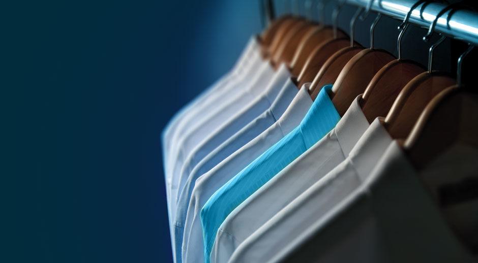 Laat uw overhemden professioneel wassen, stomen en strijken door Van Hal Stomerij uit Limburg