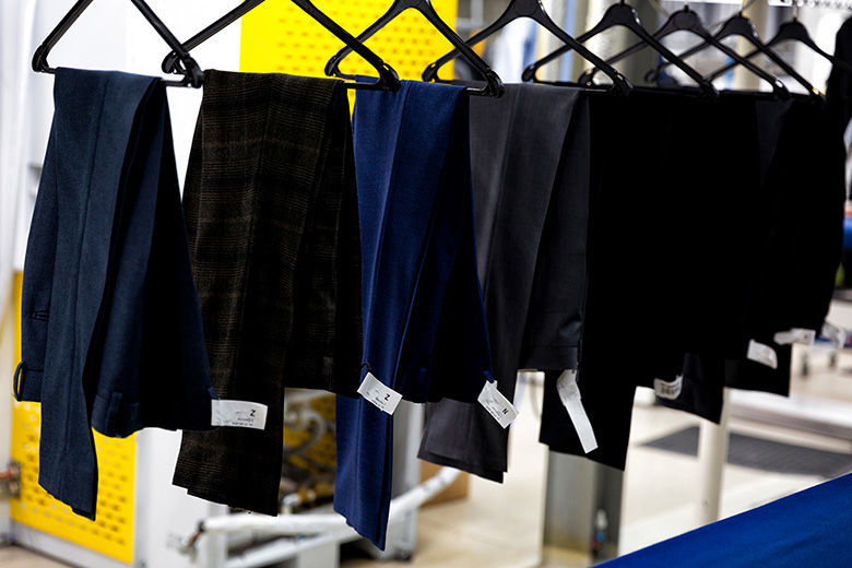 Pantol laten reinigen bij Van Hal Stomerij