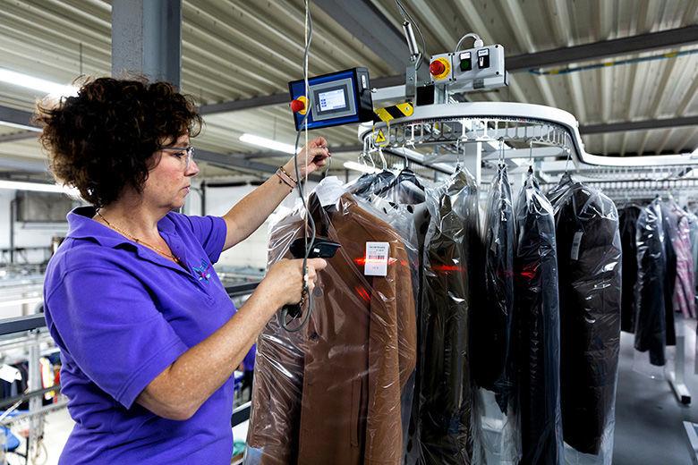 Toonaangevend textielreinigingsbedrijf Van Hal